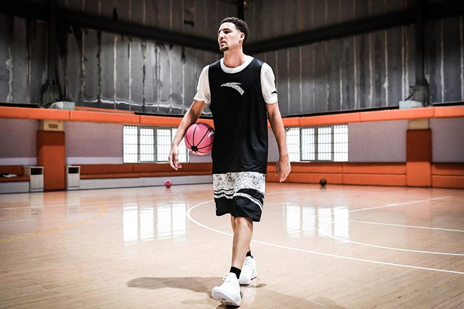 Tìm hiểu về hợp đồng giày bóng rổ - Kỳ cuối: Những hiểu lầm thường thấy với sneaker free agency