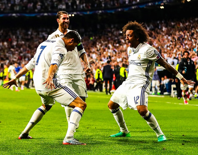 """Ronaldo kỷ niệm cú hat-trick """"hoàn hảo"""" ở Cúp C1 cách đây 3 năm"""