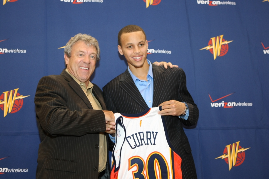 Cựu GM Golden State Warriors phủ nhận chuyện trao đổi Steph Curry và Klay Thompson