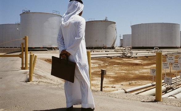 Ông chủ mới của Newcastle bị ảnh hưởng thế nào khi giá dầu thô về mức âm?