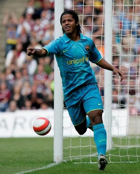 Các tài năng trẻ của Barca từng thất bại ở La Masia như thế nào?