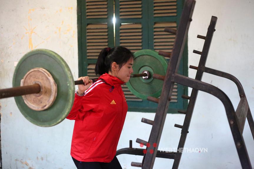 """""""Mẹ bỉm sữa điền kinh"""" Nguyễn Thị Huyền: Từ bụng bầu, khát vọng chạy đến kỳ tích lấy lại vóc dáng thanh xuân"""