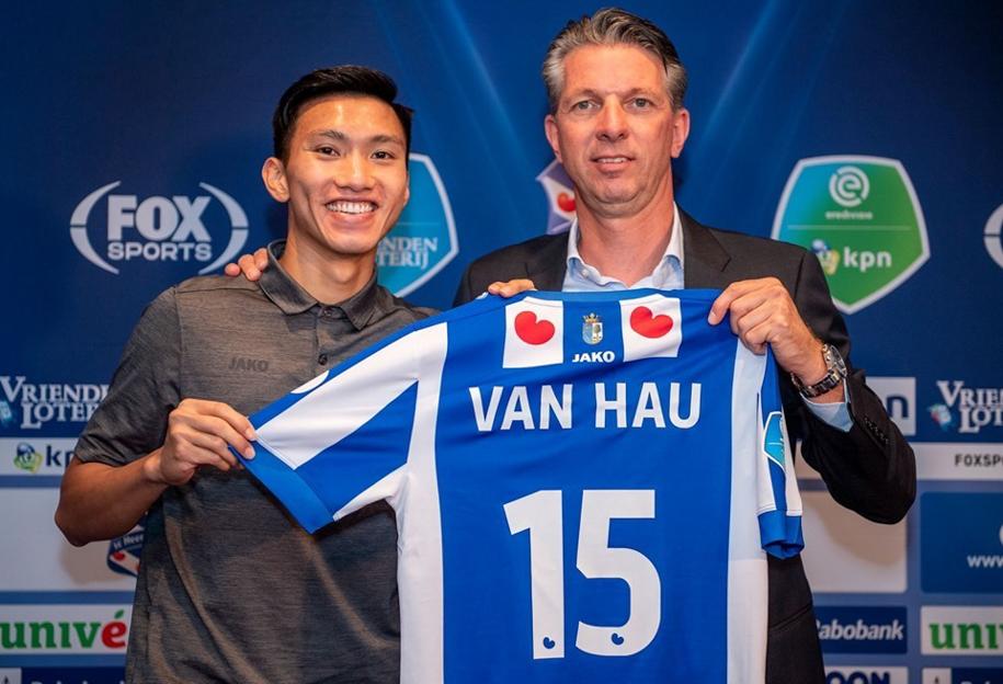 Hà Nội FC úp mở khả năng Văn Hậu trở lại V.League