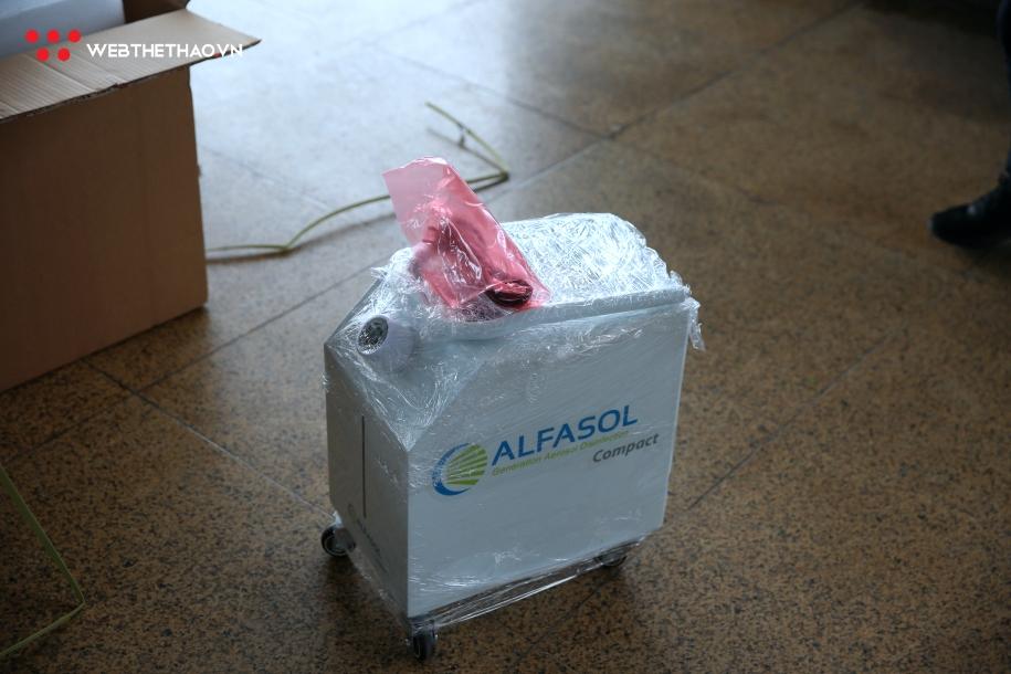 Chiến dịch Xin Cảm Ơn trao tặng máy khử khuẩn cho bệnh viện Nhiệt đới trung ương