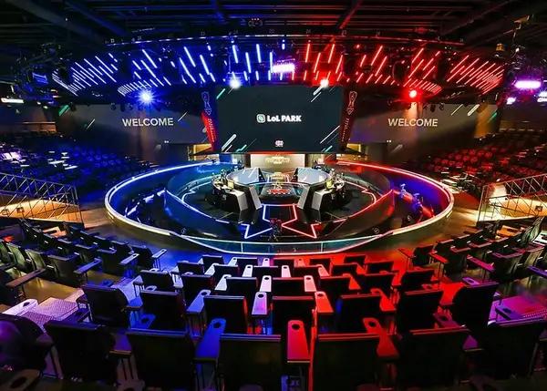 Chung kết LCK Mùa Xuân 2020 sẽ thi đấu offline tại LoL Park