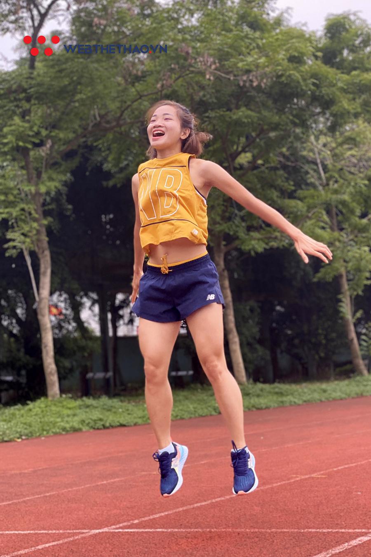 """""""Ốc tiêu"""" Nguyễn Thị Oanh nôn khan, đau nhức cơ - xương vẫn cắn răng luyện marathon"""
