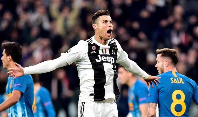 Messi vs Cristiano Ronaldo: Ai là vua lập hat-trick?