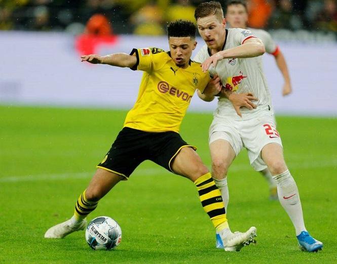 """Bóng đá Đức đưa ra những quy định """"kỳ lạ"""" khi chuẩn bị trở lại"""