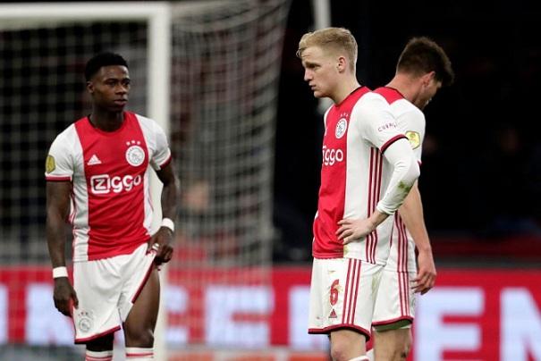 Vì sao Ngoại hạng Anh khó bị hủy như giải Hà Lan?
