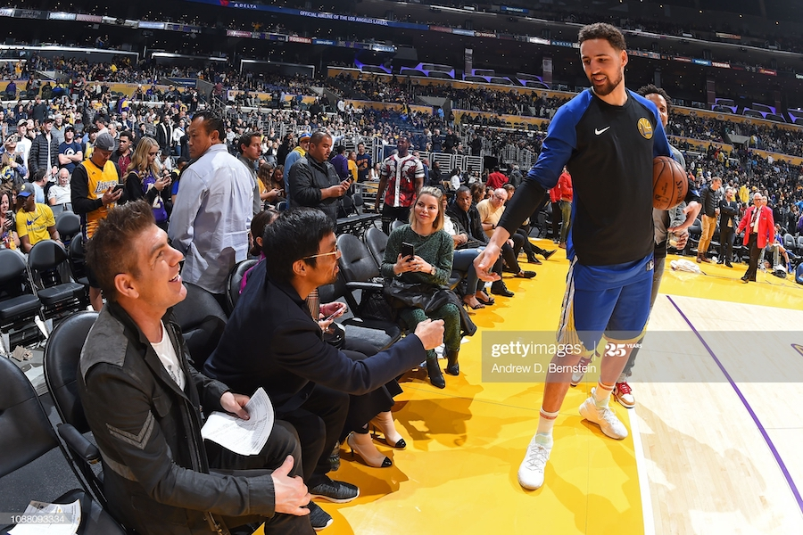 Manny Pacquiao, Jessica Alba và những sao cỡ bự là fan cuồng của Golden State Warriors