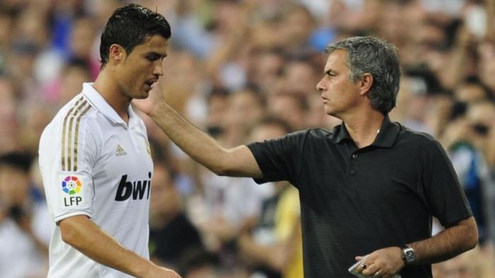 Mourinho gạt cả Messi lẫn Cristiano Ronaldo để chọn ai xuất sắc nhất?