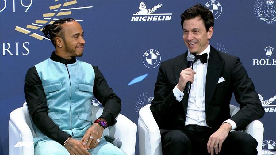 Lewis Hamilton: Tới tuổi tôi, lương không còn quan trọng nhất!