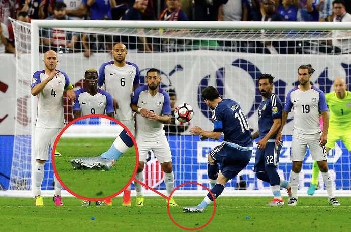 Messi cải thiện khả năng đá phạt với kỹ thuật bong gân mắt cá chân