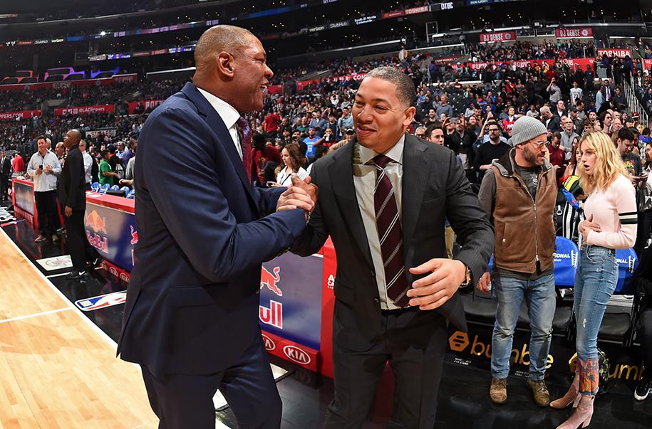Kyrie Irving và thầy cũ của LeBron James sẽ tại hợp tại Brooklyn?