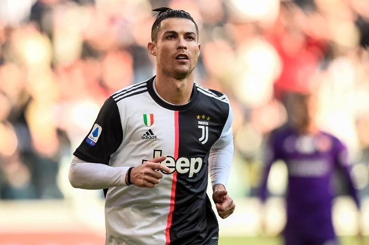 Ronaldo phàn nàn với đồng đội ở MU vì chưa nhận đủ... lời khen