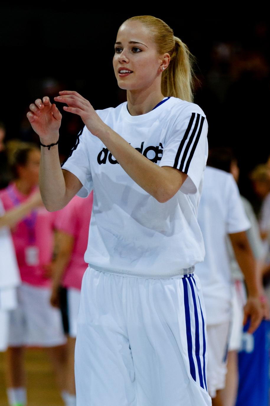 Antonija Misura: Nữ cầu thủ bóng rổ quyến rũ nhất thế giới