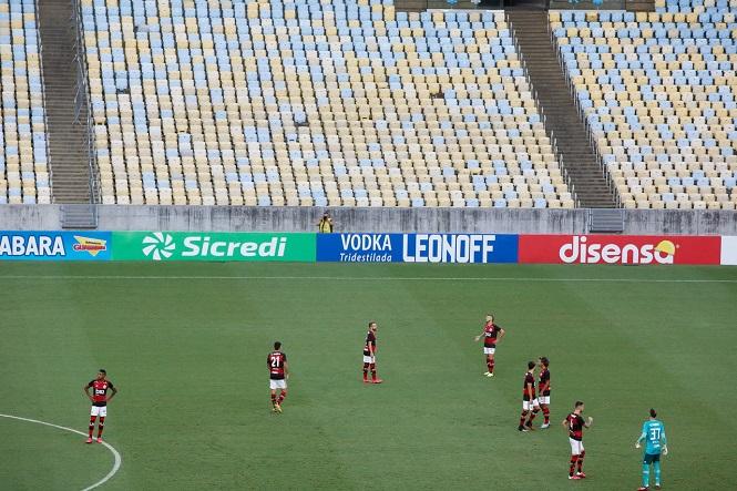 Tin bóng đá mùa COVID-19 1/5: Nhà vô địch Copa Libertadores sa thải... 62 nhân viên