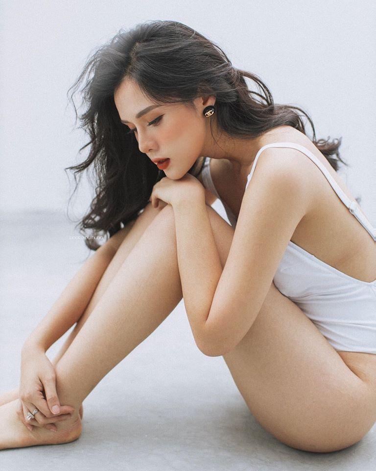 Bạn gái cũ Huyền Trang ngày càng quyến rũ sau khi chia tay Trọng Đại