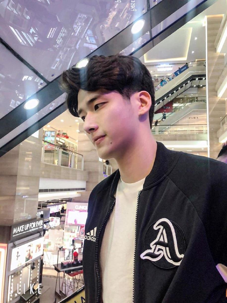 Trần Đình Hiếu - Hot boy bóng chuyền kiêm người mẫu ảnh