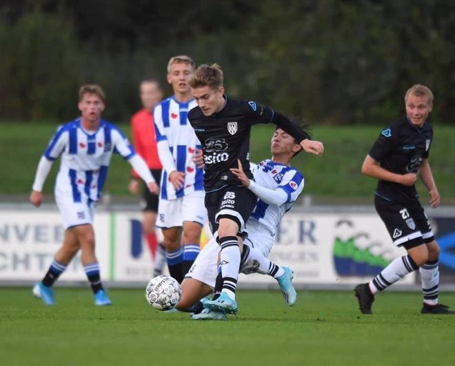 Đoàn Văn Hậu ghi dấu ấn cùng đội trẻ Heerenveen