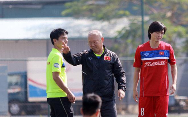 Tin bóng đá Việt Nam hôm nay 17/2: Thầy Park đau đầu vì Tuấn Anh