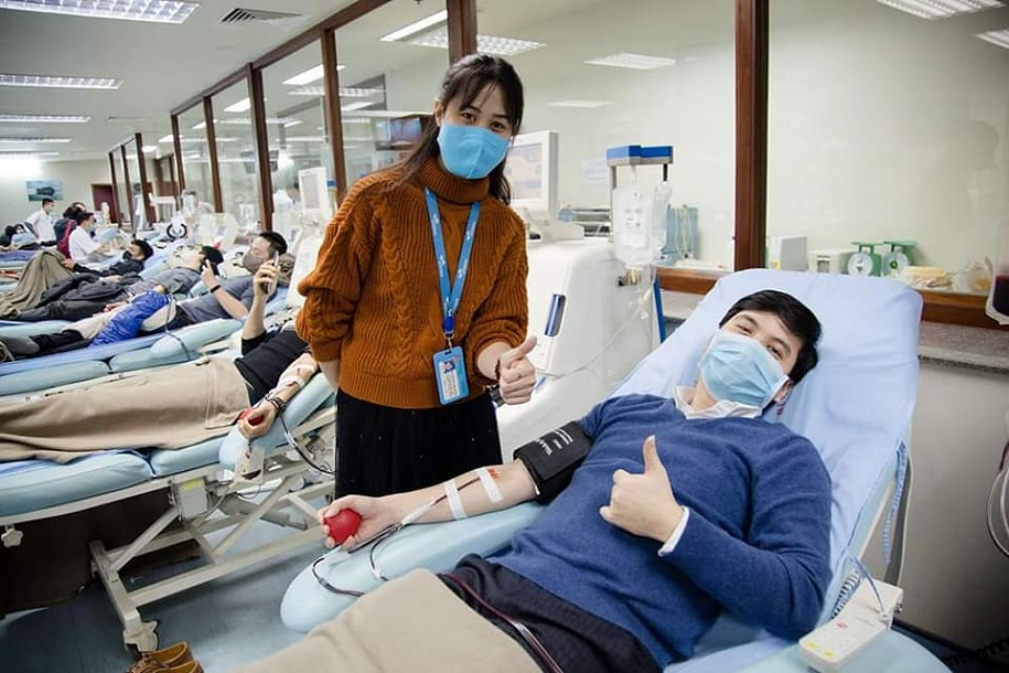 Các chân chạy thủ đô náo nức hiến máu trong mùa dịch Covid-19