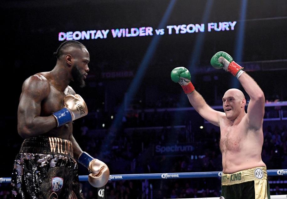 """Tyson Fury: """"Tôi sẽ đấm cho Deontay Wilder phải quỳ gối xin thua"""""""