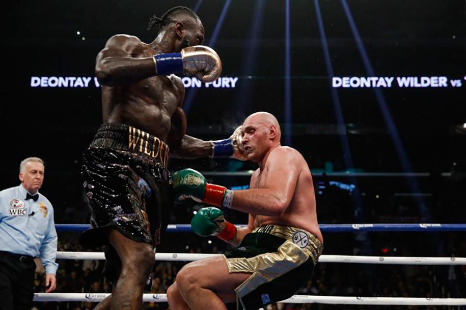 Đổi huấn luyện viên, tăng cân: Tyson Fury đang lo lắng về trận tái đấu?