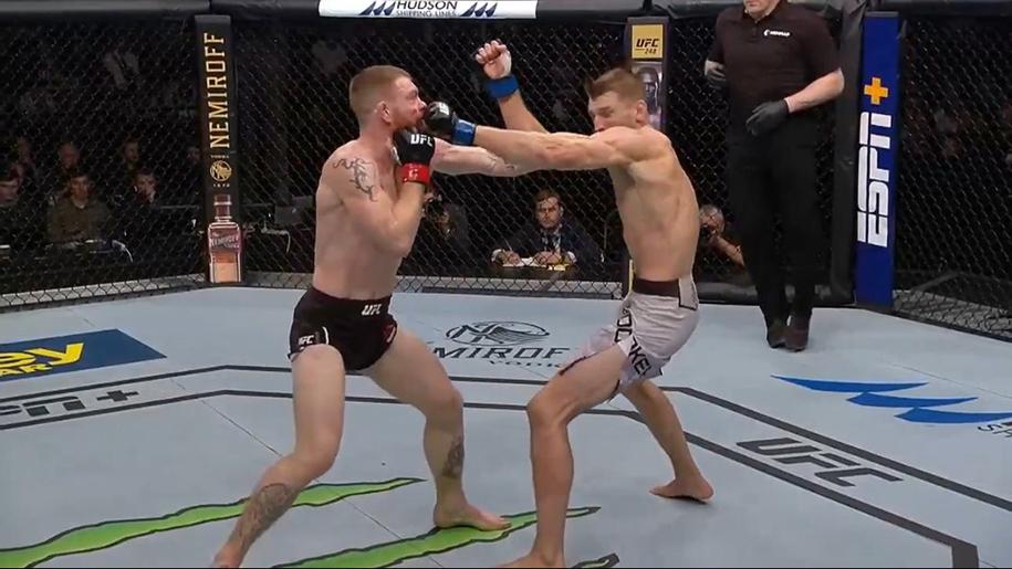 UFC Auckland: Dan The Hangman Hooker thắng sát nút Rồng Ireland Paul Felder