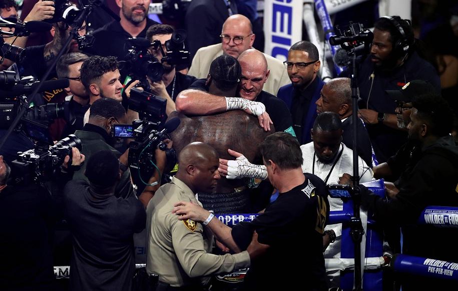 Tyson Fury dành lời khen đến Deontay Wilder