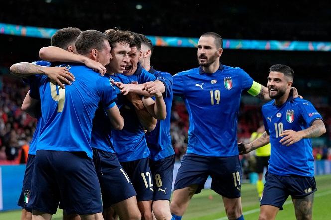 """""""Siêu dự bị"""" của Italia được chấm điểm cao nhất trước Áo"""