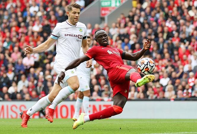 Sadio Mane đánh dấu cột mốc ghi bàn cho Liverpool ở Anfield
