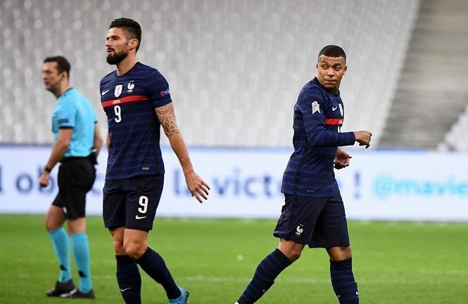 """Mbappe và Giroud """"đốt cháy"""" phòng thay đồ tuyển Pháp trước Euro 2021"""