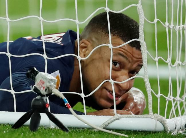 PSG chọn tiền đạo thay thế Mbappe sau khi loại trừ Ronaldo