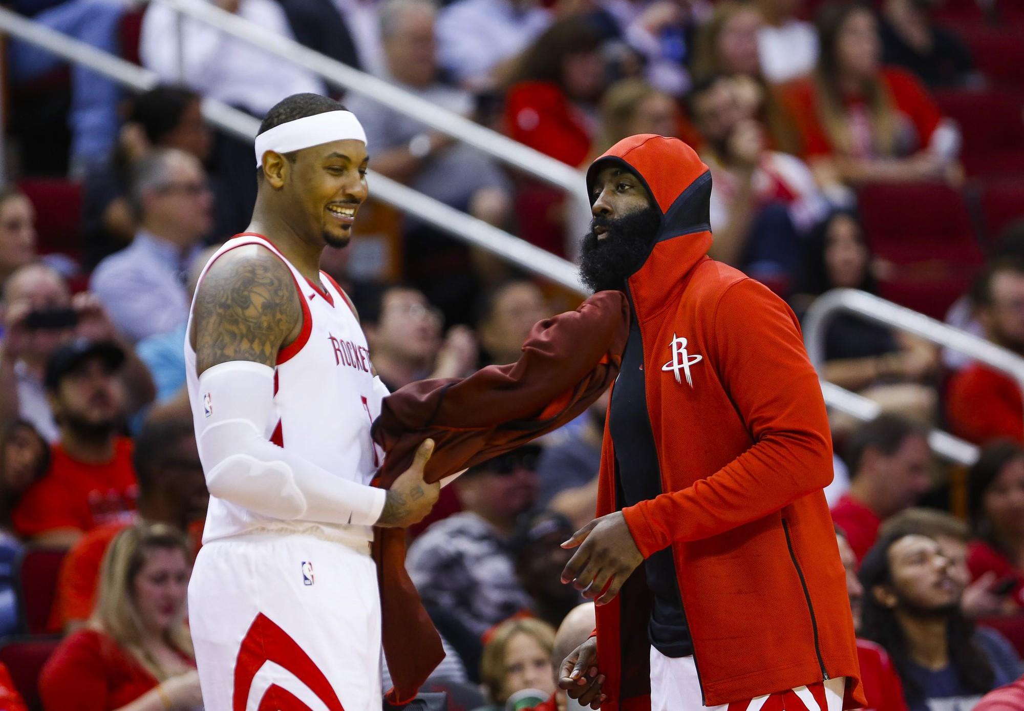 Sợ Carmelo Anthony dỗi vì dự bị, Houston Rockets chấp nhận chơi phá cách - Ảnh 1.