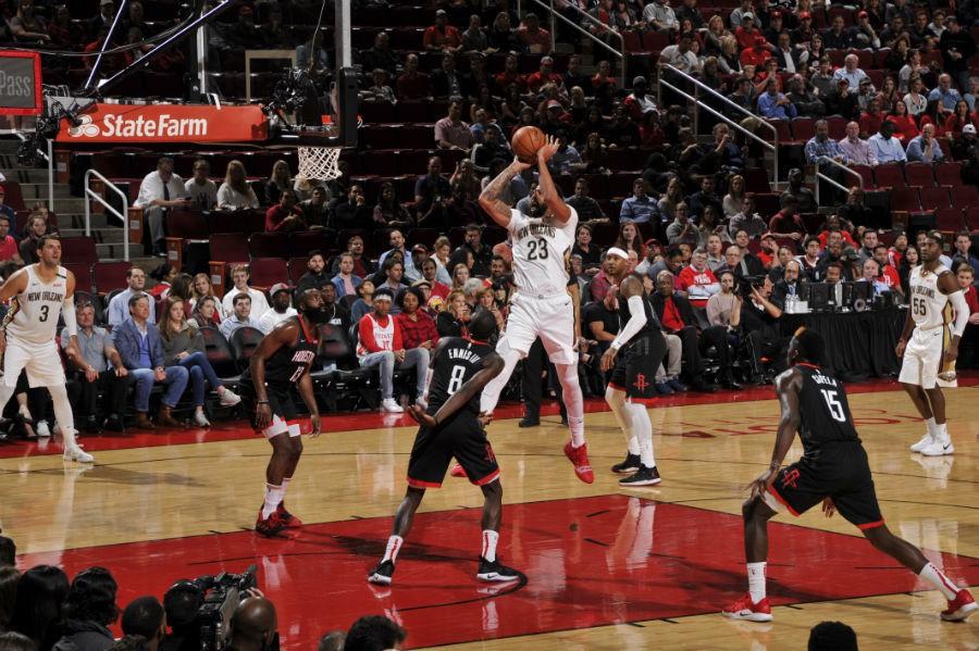 Anthony Davis củ hành cả Houston Rockets trong ngày ra quân như muốn dằn mặt các đội chơi small-ball - Ảnh 2.