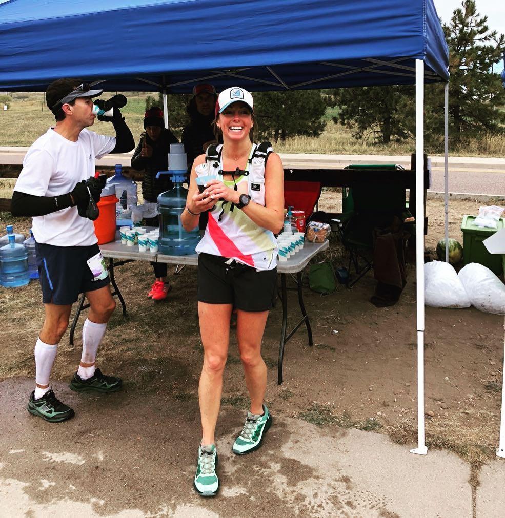 Khó tin: cô gái chạy ultra marathon chỉ với một quả thận - Ảnh 9.
