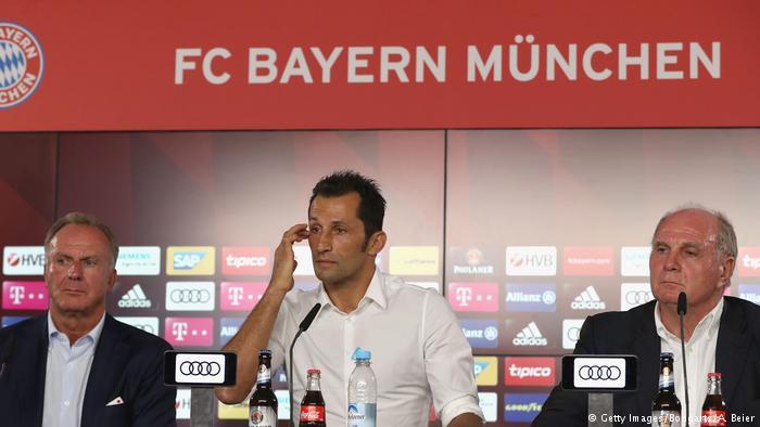 Không phải bổ nhiệm Wenger, Bayern họp báo bất thường để chỉ trích thậm tệ... báo giới - Ảnh 3.