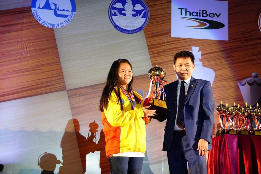Bạch Ngọc Thùy Dương bất ngờ vô địch  cờ vua trẻ thế giới 2018 - Ảnh 2.