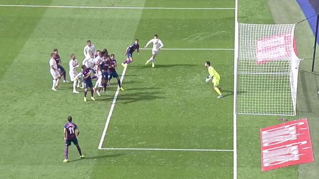 Bị VAR từ chối bàn thắng, Real Madrid chính thức lập kỷ lục buồn về thời gian khô hạn - Ảnh 4.