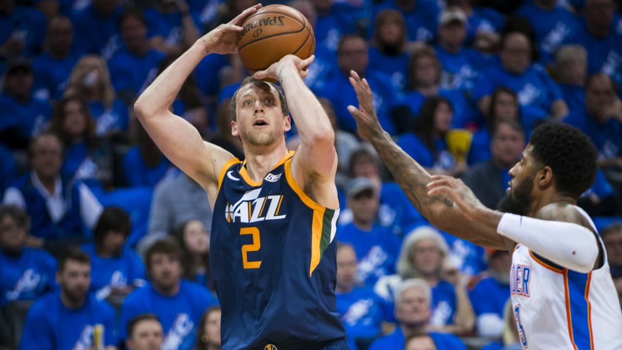 Xạ thủ Utah Jazz tuyên bố mình là tay ném khủng nhất NBA, Stephen Curry phản damage ngay lập tức - Ảnh 1.