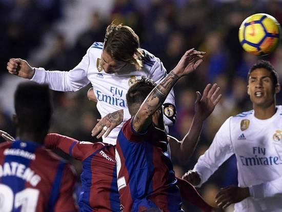 Hàng công tù tội, Real Madrid sẽ giải cơn khô hạn bằng chuyên gia săn bàn nơi hàng thủ? - Ảnh 6.