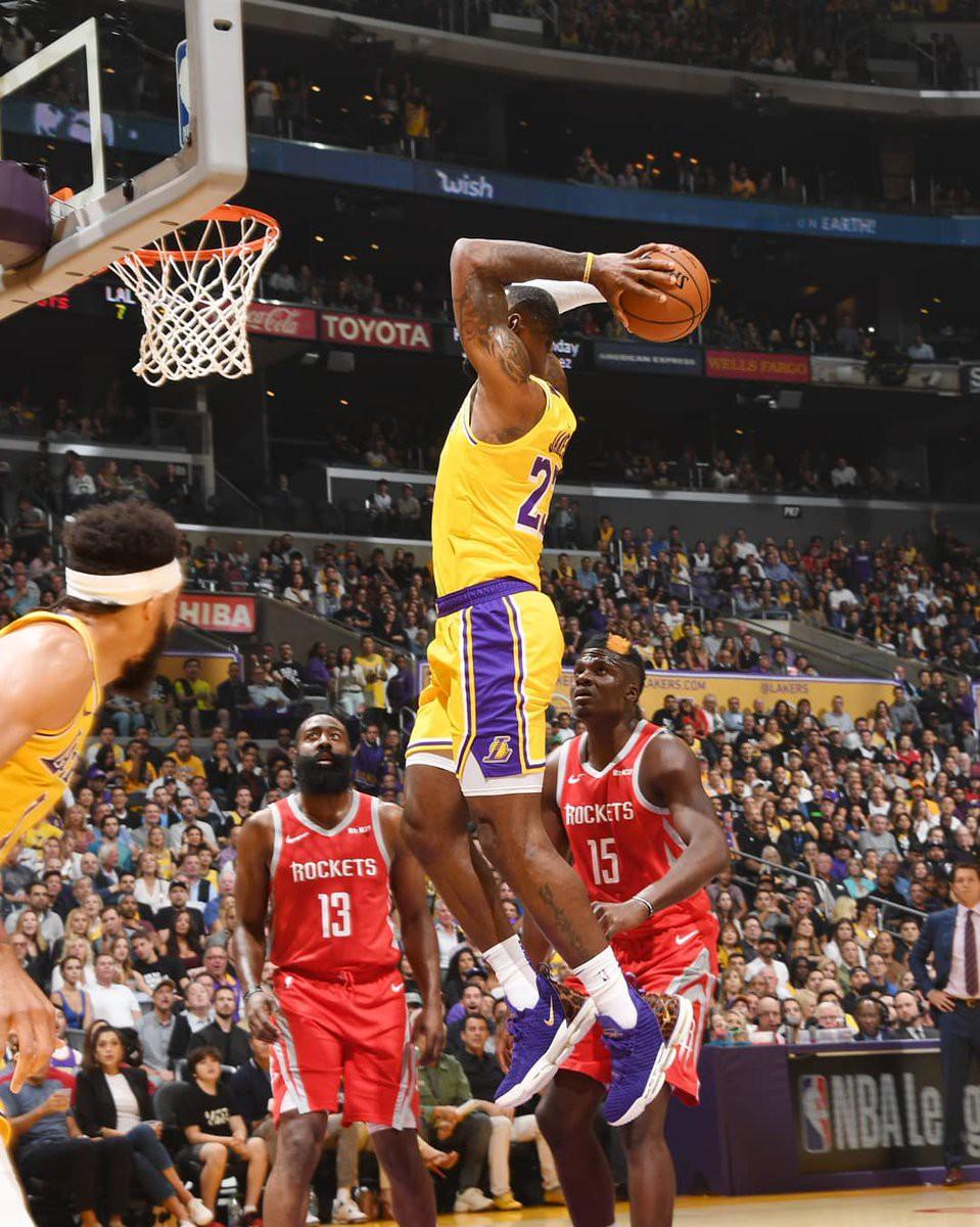 Kết quả trực tiếp NBA 2018-19: LA Lakers 115-124 Houston Rockets - Ảnh 5.