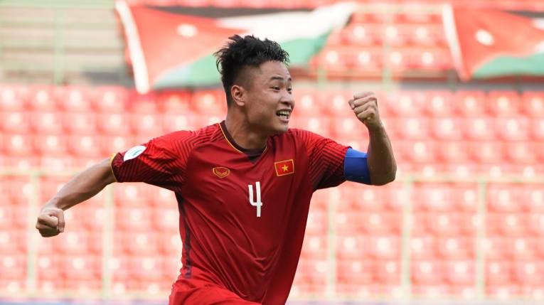 Đội trưởng U19 Việt Nam: Vận hạn ngưỡng thiên đường và nỗi dằn vặt của thầy Tuấn - Ảnh 3.