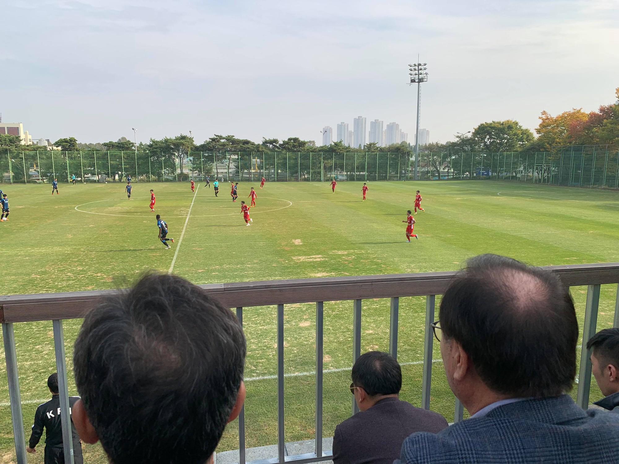 Thử nghiệm 2 đội hình, đội tuyển Việt Nam thua sát nút Incheon United tại Hàn Quốc - Ảnh 1.