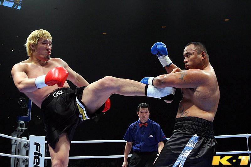 Thật hay đùa: Buakaw tung tin gã khổng lồ Hong Man Choi đấu với Yi Long - Ảnh 2.