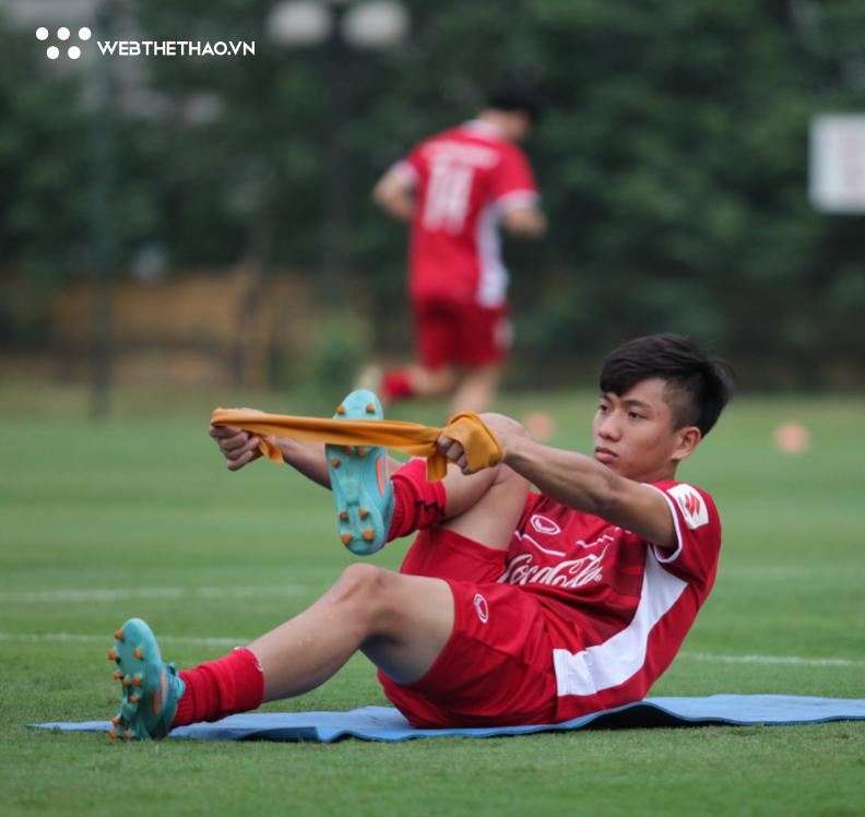 Đội tuyển Việt Nam đang biến đổi vị trí chạy cánh trước thềm AFF Cup 2018 - Ảnh 4.
