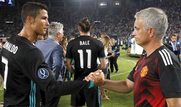 """Hy vọng cho Man Utd khi Ronaldo cứ gặp Mourinho là """"tắt điện"""" - Ảnh 1."""