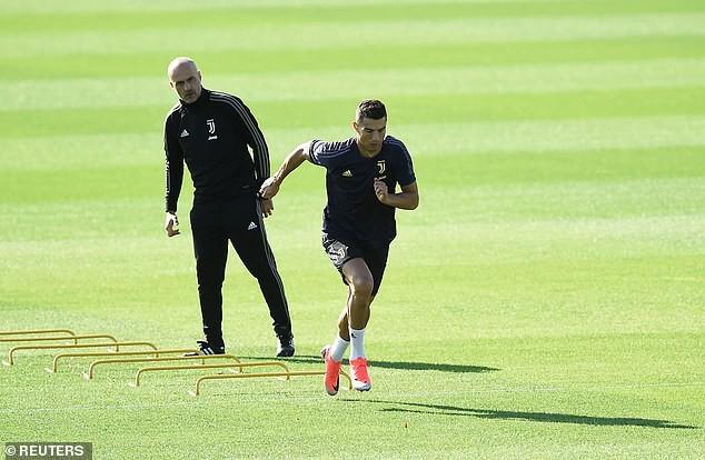 """Hy vọng cho Man Utd khi Ronaldo cứ gặp Mourinho là """"tắt điện"""" - Ảnh 2."""