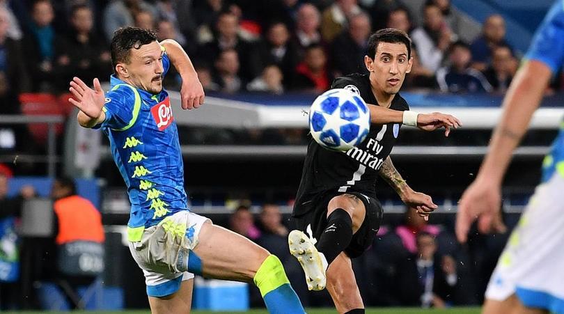 Nổi giận đùng đùng vì bị Cavani... phạm lỗi, Neymar từ chối bắt tay HLV trưởng sau trận hòa với Napoli - Ảnh 1.